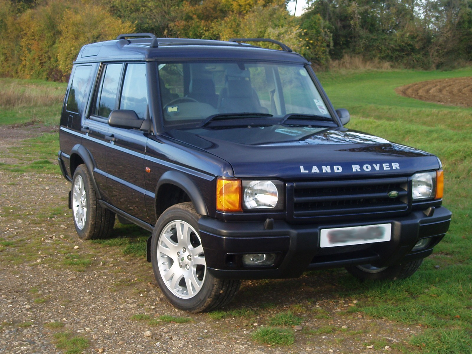 the land rover discovery 3 a modern marvel. Black Bedroom Furniture Sets. Home Design Ideas